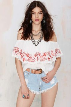 Get ready for some serious summer lovin' with the Catalina Embroidered Top!