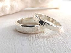 Stunning and affordable Wedding Ring Sets for him and her. Information and inspiration for all wedding ring set designs so you pick the perfect one. - http://www.ringtoperfection.com/wedding-ring-sets/