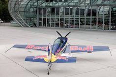 Red Bull Luftflotte - Flugzeuge & Helikopter Bild 55 - Motorsport