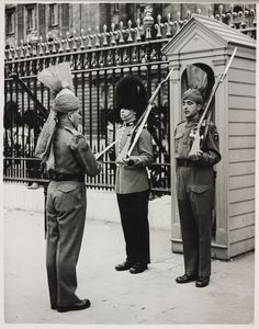 The Royal Collection: Pakistan troops take over guard duty: handing over at the Palace.