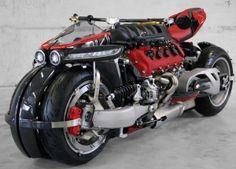 これはバイク?それともクルマ?マセラティの4.7L、V8エンジンを搭載するLAZARETH『LM847』|@DIME アットダイム