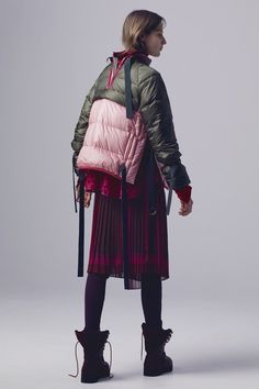 See the complete Sacai Pre-Fall 2016 collection.