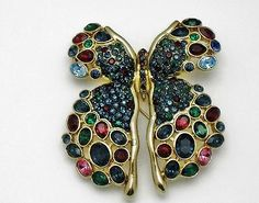 Gorgeous-CIRO-Large-Vintage-Rhinestone-Gold-Plated-Butterfly-Brooch-Pendant