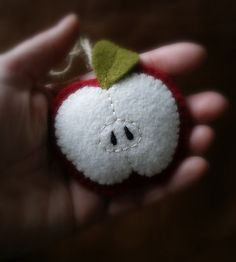 felt teacher's gift?? Might just have to try this. I'm sooo uncrafty though..