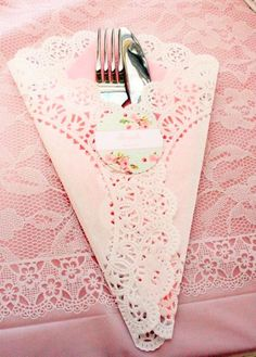 So pretty for a princess party or a tea party. So pretty for a princess party or a tea [. Girls Tea Party, Princess Tea Party, Tea Party Birthday, 90th Birthday, Birthday Ideas, Tea Party Bridal Shower, Baby Shower Tea, Afternoon Tea Parties, Afternoon Tea Baby Shower Ideas
