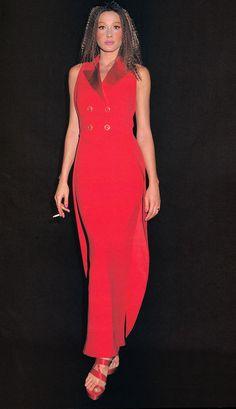 Carla Bruni backstage for Gianni Versace Couture 1993 Carla Bruni, Gianni Versace, Coat Dress, Lady In Red, High Fashion, Runway, Bodycon Dress, High Neck Dress, Prom