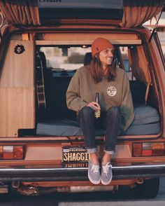 post surf vibes cozy in our surf locos crewneck<br> Surf Style Men, Surfer Style, Surf Guys, Surfer Outfit, Hippie Men, Chill Style, Surfer Boys, Casual Outfits, Men Casual