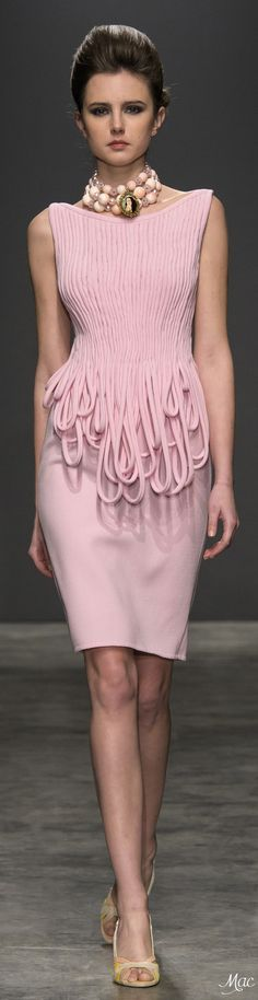 Spring 2017 Haute Couture Camillo Bona Pink Fashion, Fashion 2017, Skirt Fashion, Runway Fashion, Fashion Beauty, Womens Fashion, Fashion Tips, Fashion Trends, Mode Rose