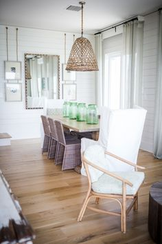 Idea for beach house dining table. Beach House uses the  Beautiful Green Mason Jars on the table to Decorate