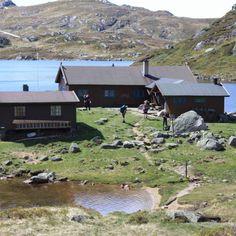 walk from Øyuvsbu to Gaukhei Norway, Scandinavian, Travel Destinations, Road Trip, Places To Visit, Cabin, Adventure, Mountains, House Styles