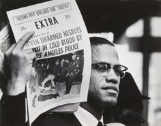 """© Gordon Parks, ca. 'Malcolm X selling newspaper' """"If you're not ready to die for it, take the word 'freedom' out of your vocabulary."""" (Malcolm X aka Malcolm Little aka El-Hajj Malik El-Shabazz, May 1925 – Feb. Gordon Parks, Malcolm X, Martin Luther King, Love People, Black People, In Cold Blood, Civil Rights Movement, Tumblr, Black Pride"""