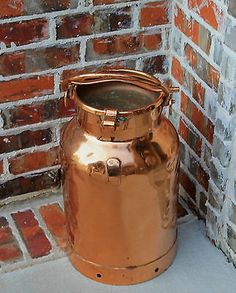 Antique-French-Heavy-COPPER-Farm-Farmhouse-Milk-Can-Jug-with-Lid. What a BEAUTY@ Copper Penny, Copper Pots, Copper Kitchen, French Antiques, Vintage Antiques, Old Milk Cans, Color Cobre, Copper Decor, Vintage Cooking