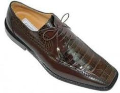 Men's shoes offered an enormous variety of colours and styles during this decade