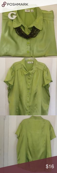 Cato woman 18/20 lime green top 100% polyester, button down shirt, hate to part from this go to top, very dressy ❤️ Cato Tops