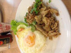 Garlic Pork with Egg(Moo Gratiem Kaidow)