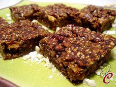 La Cuocherellona: Torta autunnale di zucca e castagne con frutti rossi e mandorle: un piacevole e bizzarro estratto di fantasia