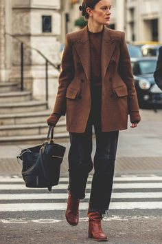 , Streetstyle на Неделе моды в Лондоне