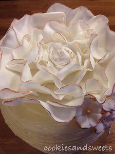 Sugar rose, cake topper