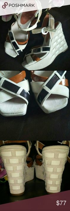 MODERN VINTAGE WEDGE SHOES MODERN VINTAGE WEDGE PLATFORM SHOES MADE IN ITALY Modern Vintage Wedge Platform Shoes Size 36 or 6 All leather Suede and Patent.  Beige/Cream Tan Black 🔱🔱 PRISTINE Condition Clean  🔹 Super confortable Modern Vintage Shoes Wedges
