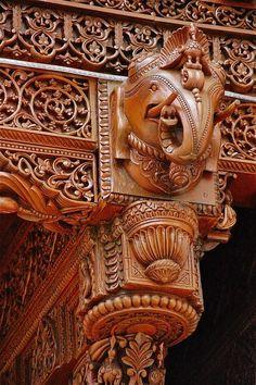 Hindu Carving detail at Swaminarayan Hindu Temple - London Indian Temple Architecture, India Architecture, Beautiful Architecture, Architecture Details, Wood Carving Designs, Wood Carving Art, Wood Art, Wood Carvings, Art Chinois