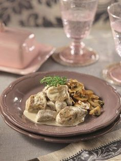 psaronefri me roz saltsa Love Food, Wedding Cakes, Recipies, Stuffed Mushrooms, Goodies, Pork, Food And Drink, Pudding, Beef