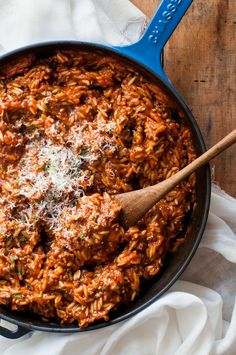Bolognese made in one pot in just 20 minutes! Using orzo (risoni) is a great tip because it cooks so quickly and you can make it all in one pot - or pan!