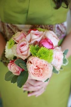 Pink Rose and Ranunculus Bouquet - dislike the pink, maybe cream rose will do the trick.