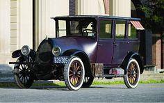 1923 Franklin Series 10B sedan...Air cooled engine built in Syracuse, NY...