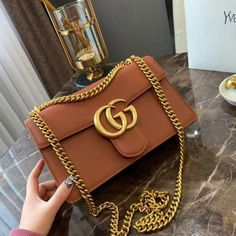 Find tips and tricks, amazing ideas for Gucci purses. Discover and try out new things about Gucci purses site Gucci Purses, Hermes Handbags, Fashion Handbags, Fashion Bags, Gucci Bags, Ootd Fashion, Cheap Handbags, Popular Handbags, Dior Bags
