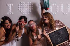 photocall boda de en un clip para bodas en l'Estibador http://www.lestibador.es/ wedding party