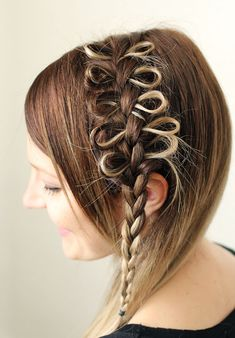 Big Hair Friday - A Beautiful Mess - Hair Romance Party Hairstyles, Cute Girls Hairstyles, Braided Hairstyles, Simple Hairstyles, Amazing Hairstyles, Popular Hairstyles, Hairstyles Haircuts, Bow Braid, 20 Inch Hair Extensions