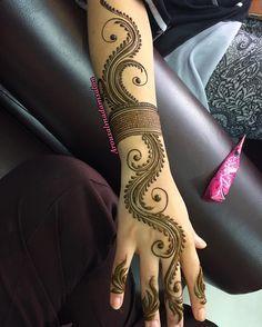 mehndi design Minus the arm band. Indian Mehndi Designs, Mehndi Designs Book, Mehndi Designs 2018, Modern Mehndi Designs, Mehndi Designs For Girls, Mehndi Design Photos, Mehndi Designs For Fingers, Henna Designs Easy, Beautiful Henna Designs