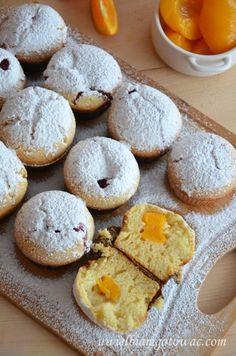 Jogurtowe muffinki z brzoskwiniami Cookies, Food, Crack Crackers, Biscuits, Essen, Meals, Cookie Recipes, Yemek, Cookie