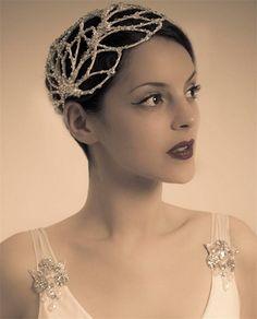 Finding the Right Bridal Headpiece for You | The Wedding Community