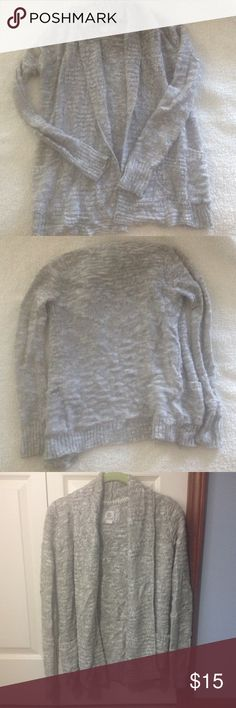 Pac Sun gray cardigan sweater. Element by Pac Sun gray cardigan sweater.  Size Small. Has pockets.  No buttons or zippers, it is meant to stay open. In great condition! Element Sweaters Cardigans