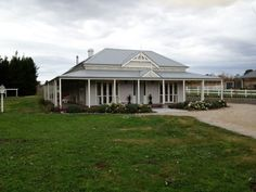 Harkaway Homes, Riddells Creek. No veranda brackets and simple square posts. Dream Homes, My Dream Home, Weatherboard House, Nice Houses, Daylesford, Country Style Homes, Exterior House Colors, Paint Colours, Mid Century Modern Design