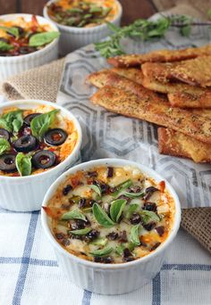 Scrumptious #Keto Personal Pan Pizza Dip. Shared via http://www.ruled.me/