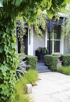 First impressions count, so when it comes to upping your home's kerb appeal, why not grow a lush, green, front garden? Here's 18 ideas to start with. Small Front Gardens, Back Gardens, Australian Garden, Australian Homes, Urban Garden Design, Kerb Appeal, Garden Inspiration, Garden Ideas, Design Inspiration