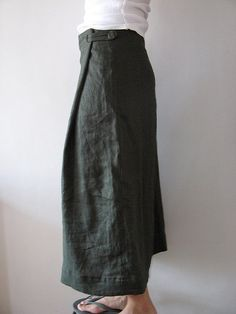xlu @ flickr - she has a range of photos of linen skirts here with interesting wrap/fastening ideas...nice