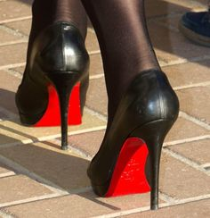 The Queen's gorgeous Christian Louboutin heels. 2014