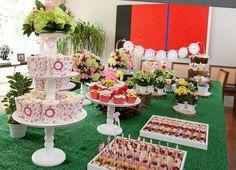 Festa infantil personalizada, tema: Mercadinho Das Flores  * Para personalizar a sua festa entre em contato com a Papermint.    papermint@papermint.com.br
