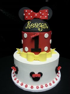 Cookie Jar Bakeshop I Custom Cakes I Birthday Cake I Minnie Mouse Themed Birthday Cake I Red, Black & White Birthday Cake I Juvenile Birthday Cake I 1st Birthday Cake