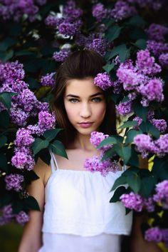 Deep purple by pavlo parubochyi on ensaio de fotos ( d Creative Portrait Photography, Creative Portraits, Girl Photography Poses, Spring Photography, Outdoor Photography, Deep Purple, Shotting Photo, Spring Photos, Portrait Inspiration