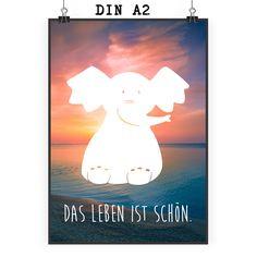 Poster DIN A2 Elefant sitzend aus Papier 160 Gramm  weiß - Das Original von Mr. & Mrs. Panda.  Jedes wunderschöne Motiv auf unseren Postern aus dem Hause Mr. & Mrs. Panda wird mit viel Liebe von Mrs. Panda handgezeichnet und entworfen.  Unsere Poster werden mit sehr hochwertigen Tinten gedruckt und sind 40 Jahre UV-Lichtbeständig und auch für Kinderzimmer absolut unbedenklich. Dein Poster wird sicher verpackt per Post geliefert.    Über unser Motiv Elefant sitzend  Dickhäuter kommen neben…