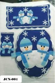 Resultado de imagen para juegos navideños de baño Ring Christmas Bells, Christmas In July, Felt Crafts, Diy And Crafts, Christmas Patchwork, Christmas Bathroom, Felt Ornaments, Christmas Decorations, Kids Rugs