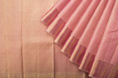 What a beautiful colour ! Indian Silk Sarees, Silk Cotton Sarees, Sari Silk, Pure Silk Sarees, Silk Saree Kanchipuram, Kanjivaram Sarees, Indian Attire, Indian Outfits, Engagement Saree