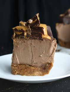 Raw Chocolate Peanut Butter Cheesecake (Ingredients: dates, almonds, bananas, cashews, cocoa powder, maple syrup, coconut oil, peanut butter)