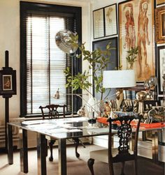 takken op vazen Dining Room, Dining Table, Elle Decor, Apartment Therapy, Divider, Table Settings, Furniture, Home, Image