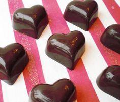 Fylt konfekt fra Villa Perlesukker Villa, Pudding, Baking, Vegetables, Sweet Stuff, Desserts, Food, Tailgate Desserts, Deserts