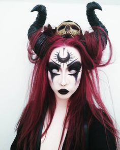 Looking for for inspiration for your Halloween make-up? Browse around this site for cool Halloween makeup looks. Demon Makeup, Witch Makeup, Sfx Makeup, Costume Makeup, Demon Costume, Demon Halloween Costume, Sorceress Costume, Ghost Makeup, Creepy Makeup